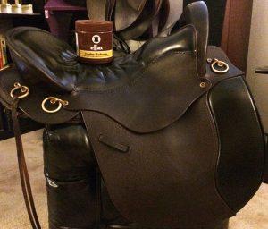 Tucker Saddle with Effax Leather Balm
