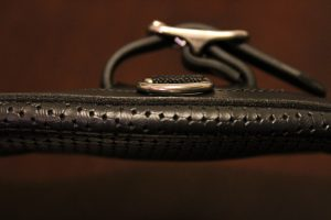 Tekna Synthetic Leather Contour Dressage Girth Review